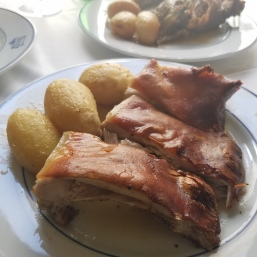 SUCKLING PIG WITH POTATOES